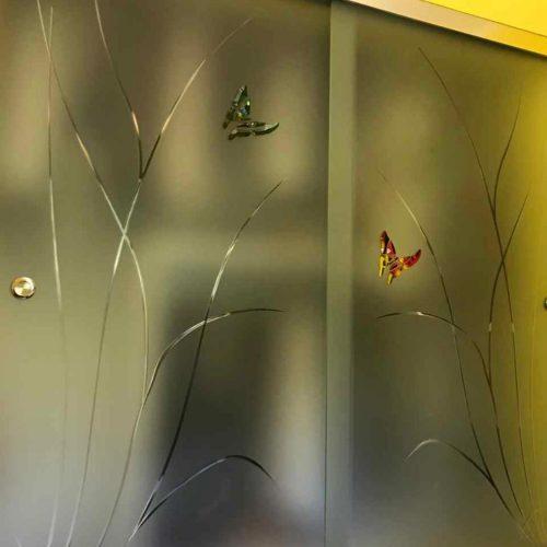 Porte temperate Scorrevoli in vetro satinato temperato con incisioni