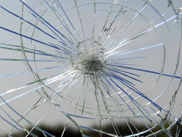 Vetro rotto da riparare | Vetreria Artigiana Martuzzi 2