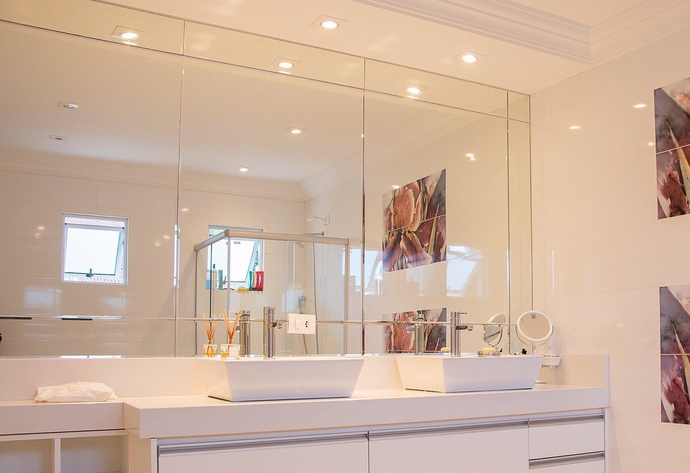 You are currently viewing Specchiere e specchi per palestre, negozi e locali
